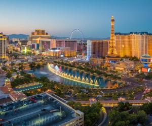 Las Vegas Casinos reopen after historic COVID-19 shutdown, attracting large crowds